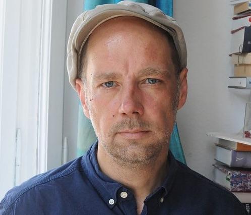 Михаэль Бауте – журналист, преподаватель, куратор. Авторкниги «Минутные тексты», посвященной фильму «Ночь охотника» (сов