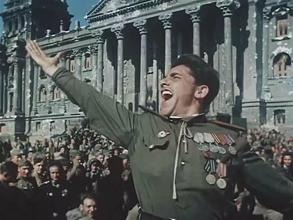 Кадр из фильма «Падение Берлина» (1950)