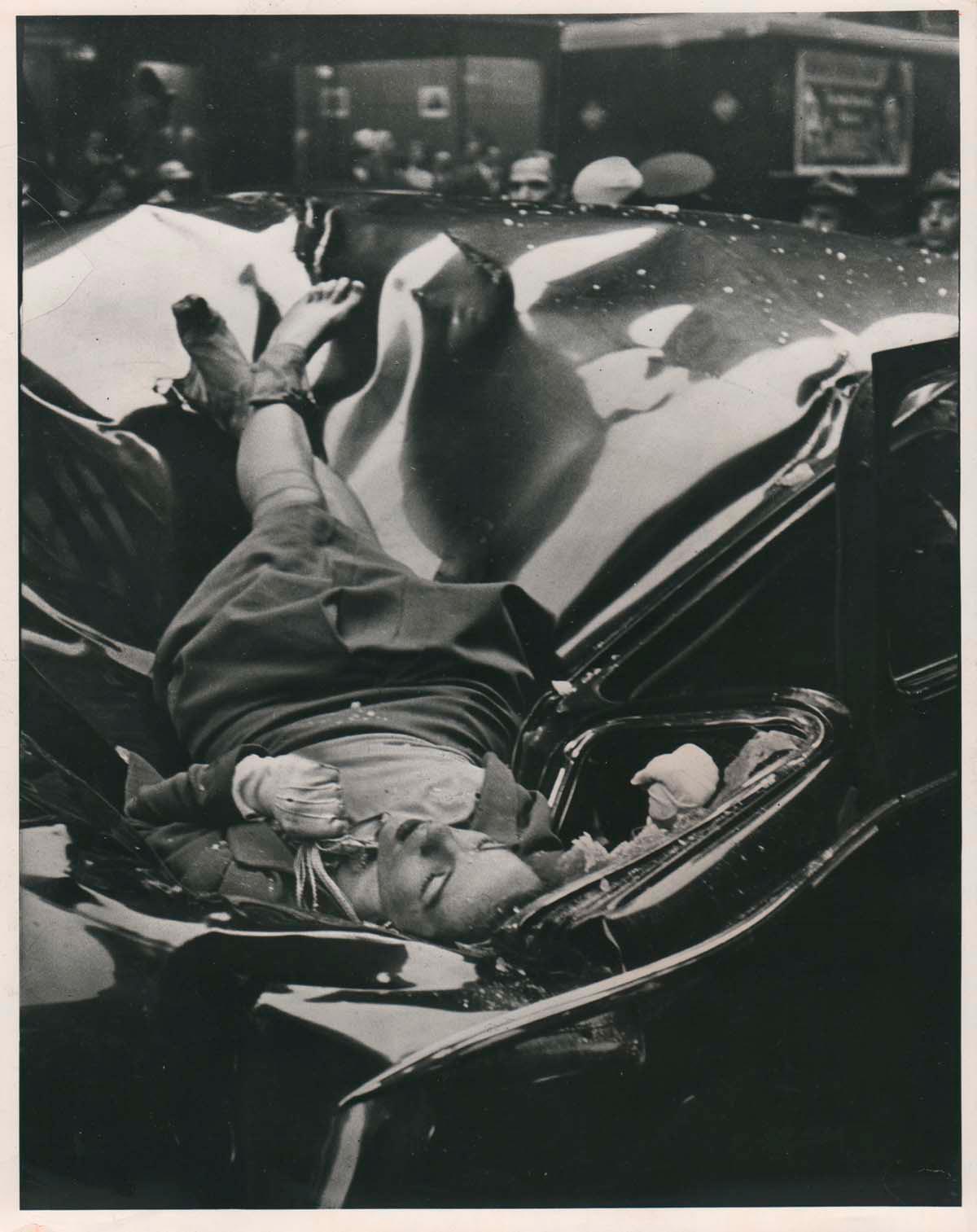 Роберт Уайлс фотография самоубийцы 1947 г.