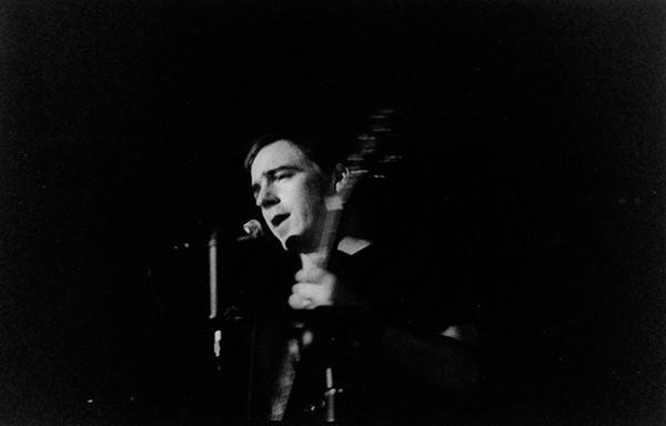 Джейсон Молина выступает в Центре искусств Джона Уолдрона в Блумингтоне, штат Индиана, около 2000 года. Фото: Кристофер Д