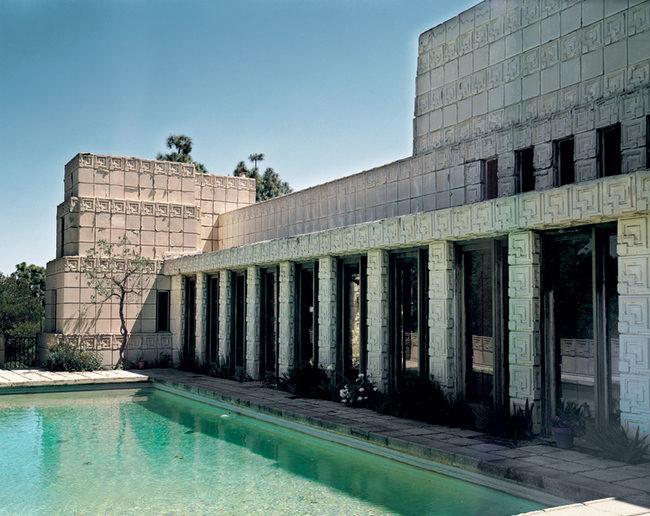 Бассейн был в плане Райта, но построили его позже, в 1940-е годы