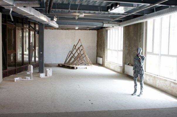 Выставка «Дальше действовать будем мы». Воронежский центр современного искусства, 2009 // Фото: ВЦСИ
