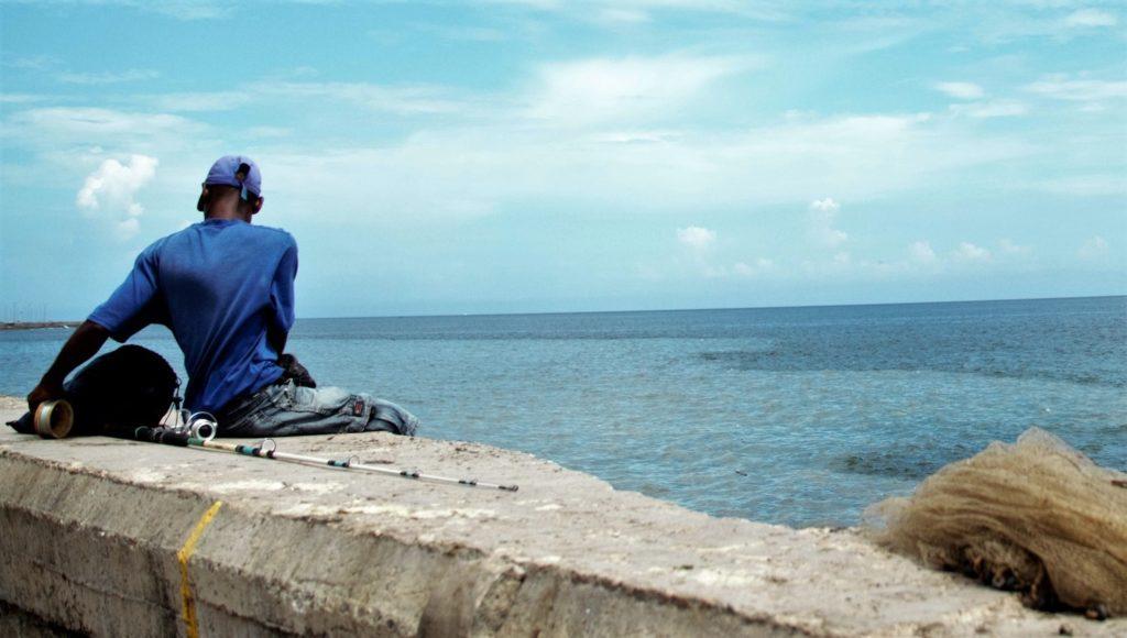 Рыбак на Малеконе. Фото автора