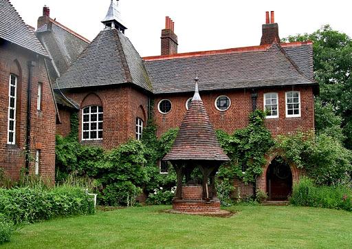 Легендарный «Красный дом» Уильяма Морриса