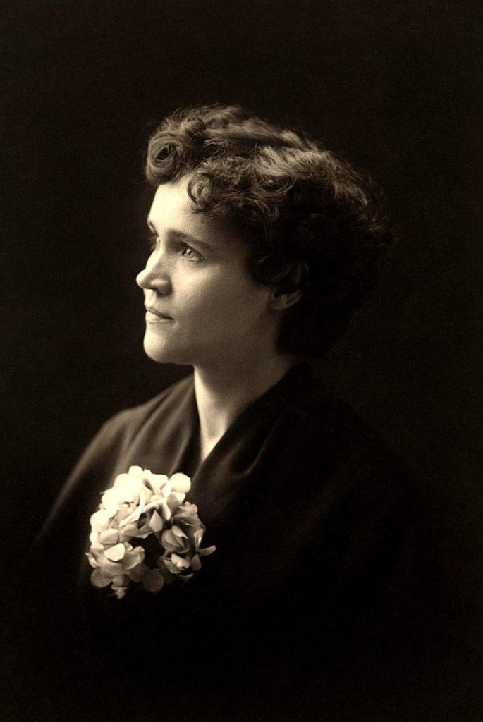 Вольтарина де Клер (1866–1912)