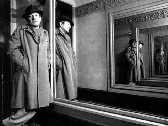 Делёз в зеркальном коридоре