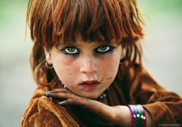 Портрет девочки, Афганистан |2004 Реза Дегати