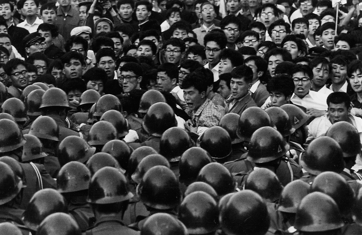 Хамая Хироси, митинги 20 мая — 22 июня 1960 года (Hamaya Hiroshi, «Document of Grief and Anger»)
