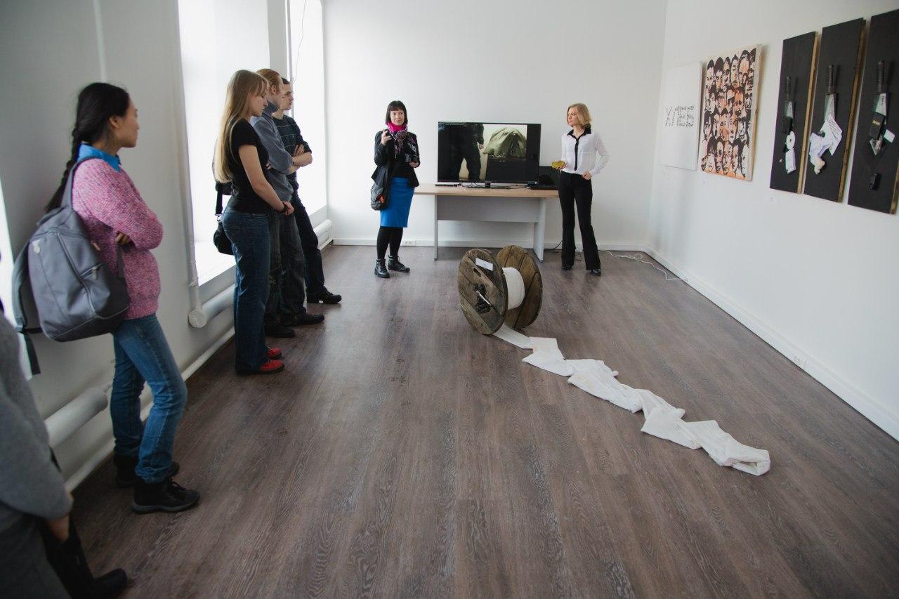 Выставка арт-группы «Чрево»