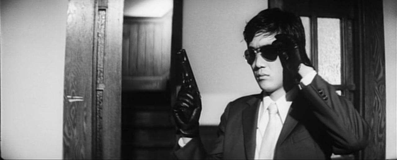 «Голая пуля» (Yawa hada mushuku: Otoko goroshi onna goroshi, 1969)
