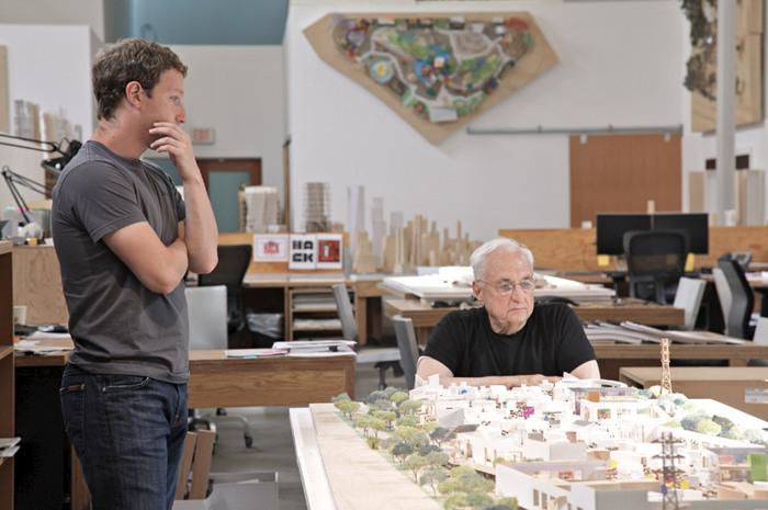 Марк Цукерберг и архитектор Фрэнк Гери