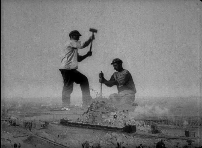 Кадр из фильма Дзиги Вертова Одиннадцатый (1928), Киевская кинофабрика ВУФКУ, Довженко Центр, https://vufku.org/found/ody