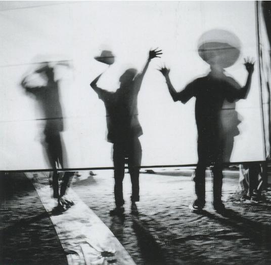 Ямадзаки Цуруко. «Красный куб» (1956). Courtesy:https://tinyurl.com/ujh678n