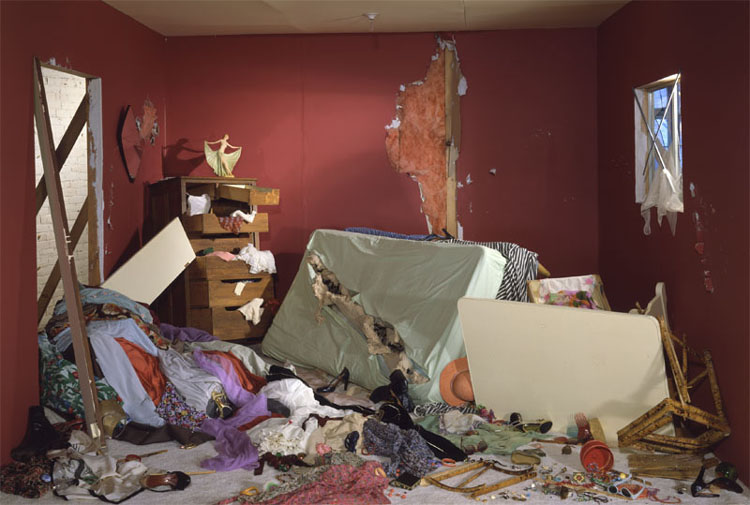Jeff Wall - The Destroyed Room