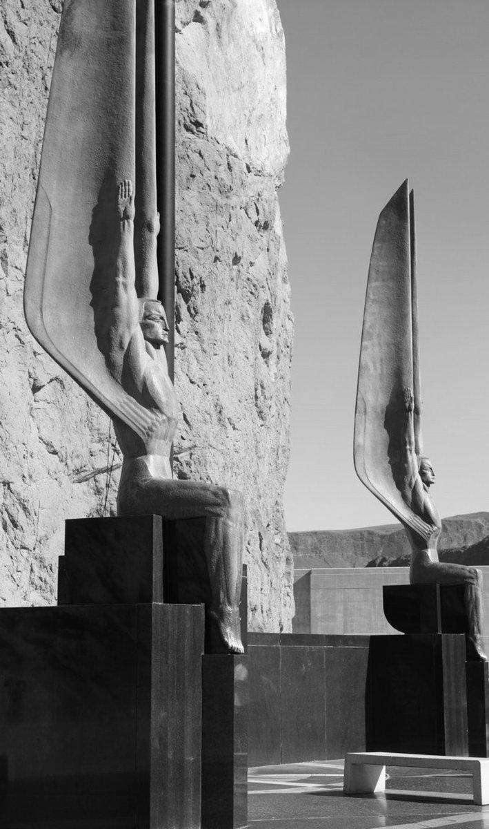 Оскар Хансен. Скульптуры мемориала, созданного в память рабочих, участвовавших в строительстве дамбы Гувера. 1960