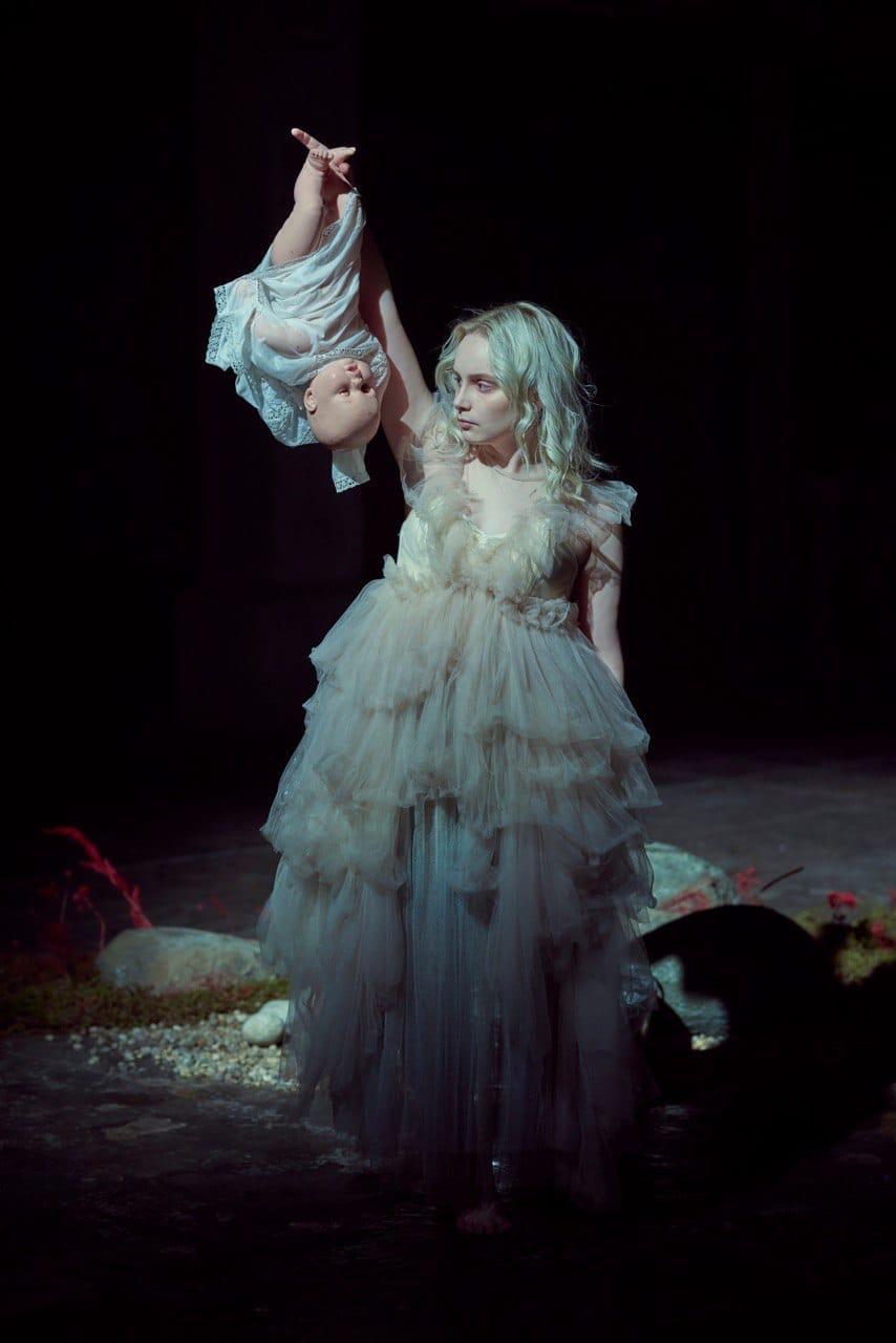 Света Матвеева на съёмках клипа «Поле чудес». Фото: Максетт Прибылов
