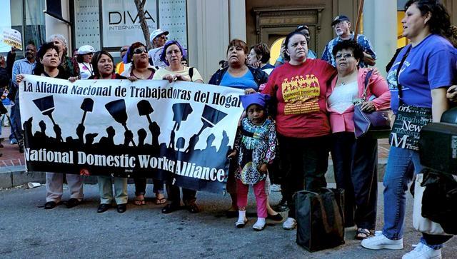 Демонстрация в США. Источник: https://prospect.org/power/invisible-workers-global-struggles/