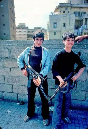 Мальчишки на войне в Ливане. Фото Алин Манукян