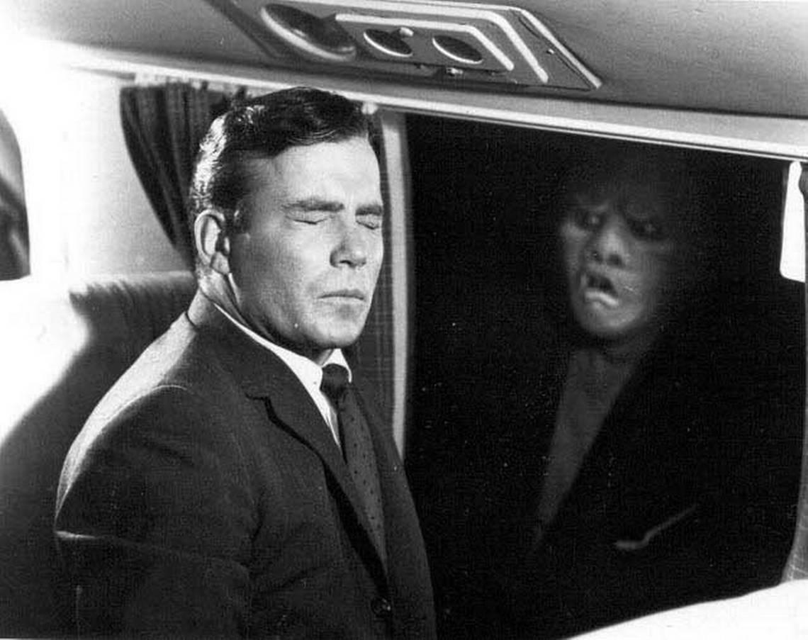 Кадр из эпизода «Кошмар на высоте 20 000 футов» (Ричард Доннер, 1963)