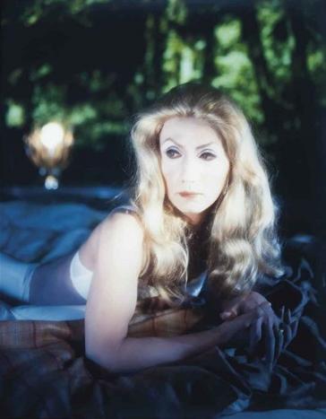«Self-Portrait (Actress) after Catherine Deneuve 1» (1996). Courtesy:https://tinyurl.com/v2gy3nz