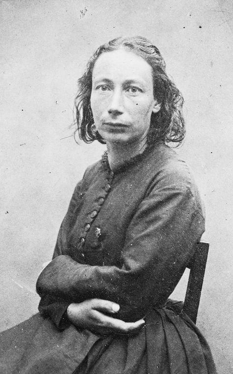 Луиза Мишель (1830 — 1905)