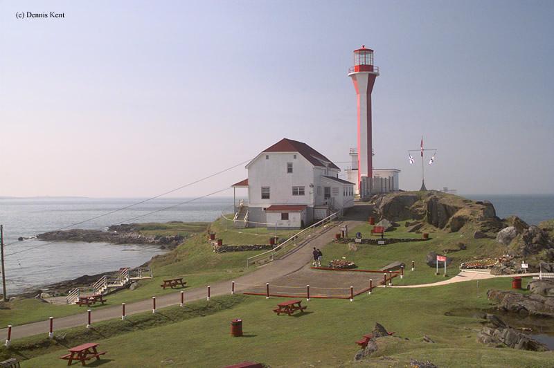 Настоящий маяк на мысе Форчу в Канаде, где снимали фильм«Маяк»