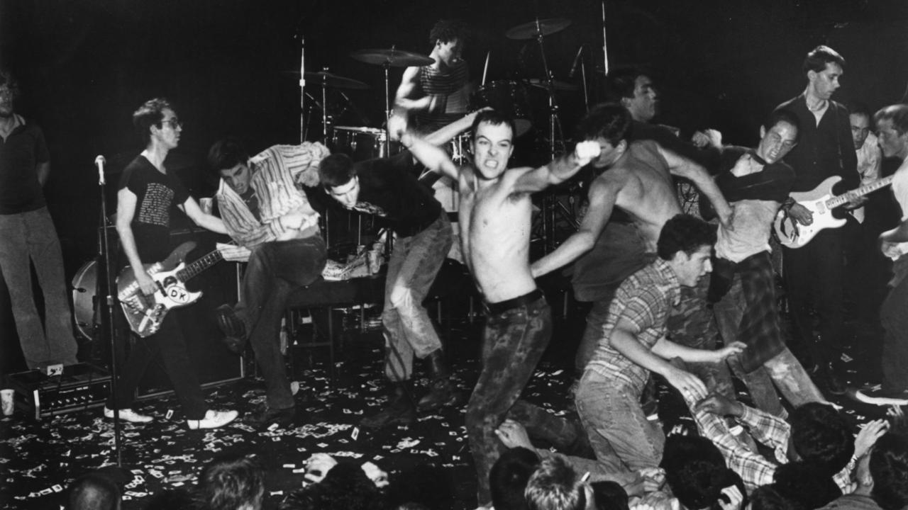Концерт Dead Kennedys