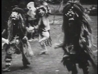 [06:31]А вот страшные ведьмы, в которых превратились девочки-послушницы. Ведьма снова танцует одна.