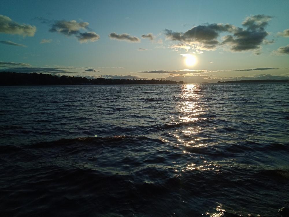 Вечерняя Волга, вид с набережной