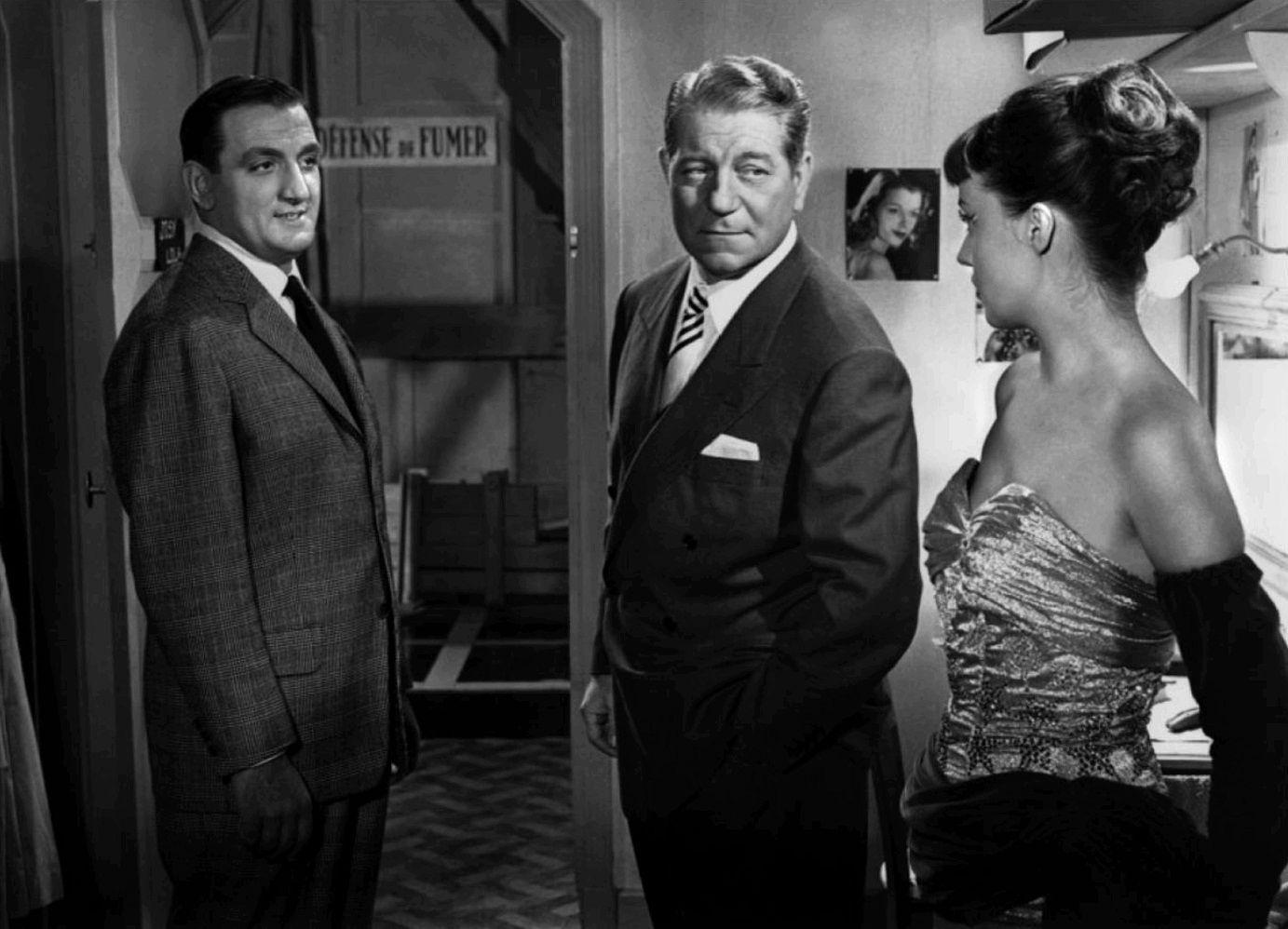"""Кадр из фильма """"Не тронь добычу"""": Лино Вентура (слева), Жан Габен (в центре), Жанна Моро."""